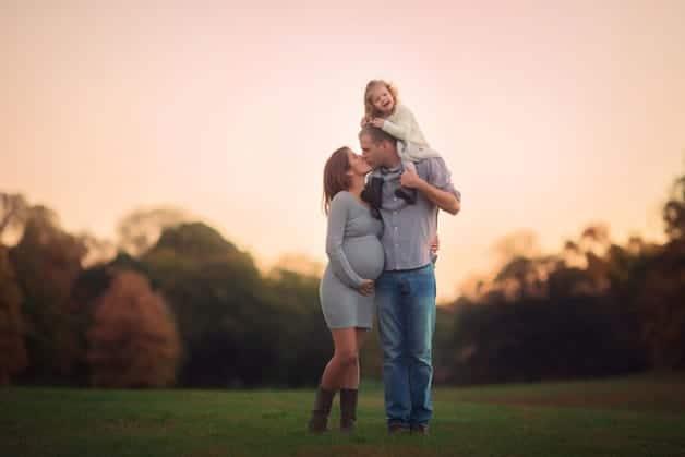 5-Beautiful-Maternity-Family-Shoots-We-Love3